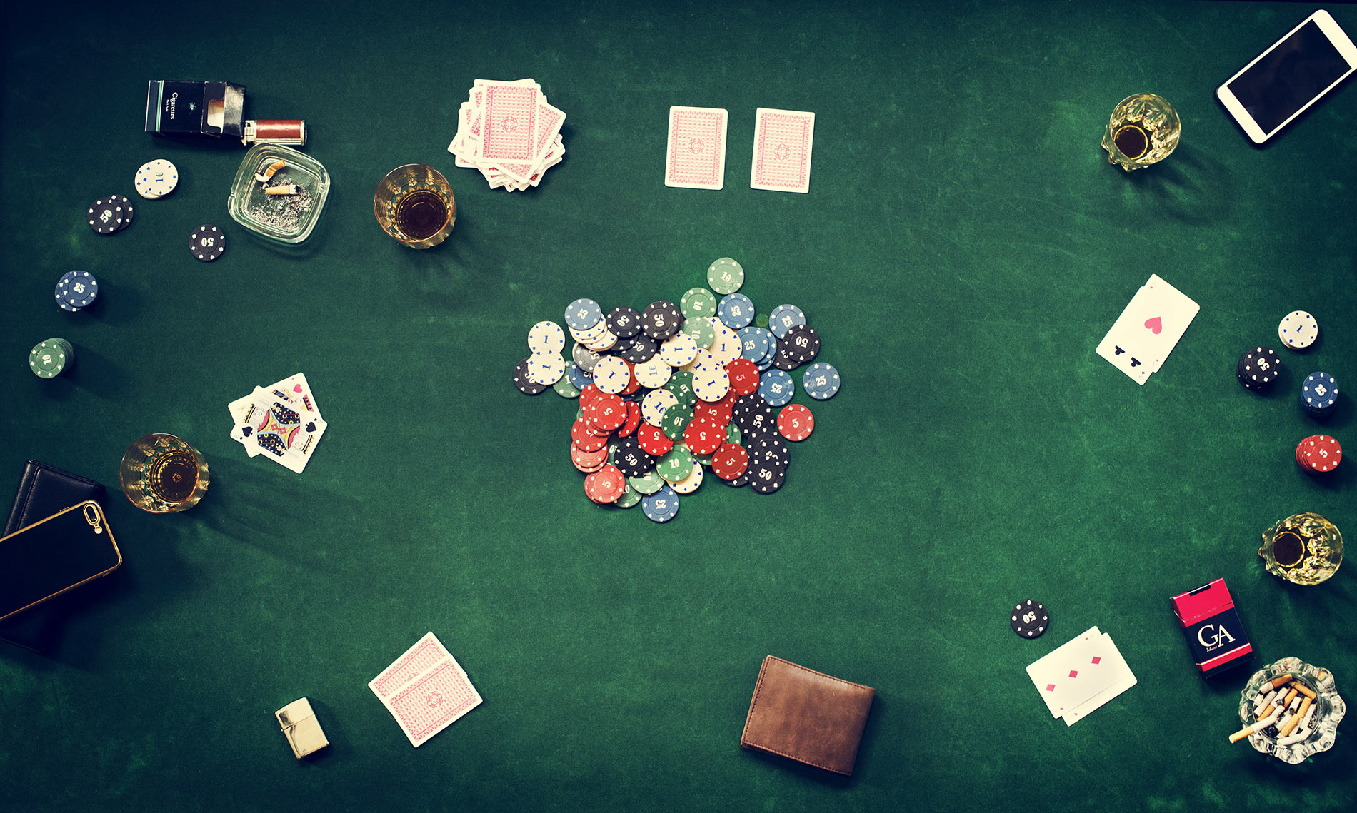 gamble-in-casino-betting-PCYF6S9.jpg