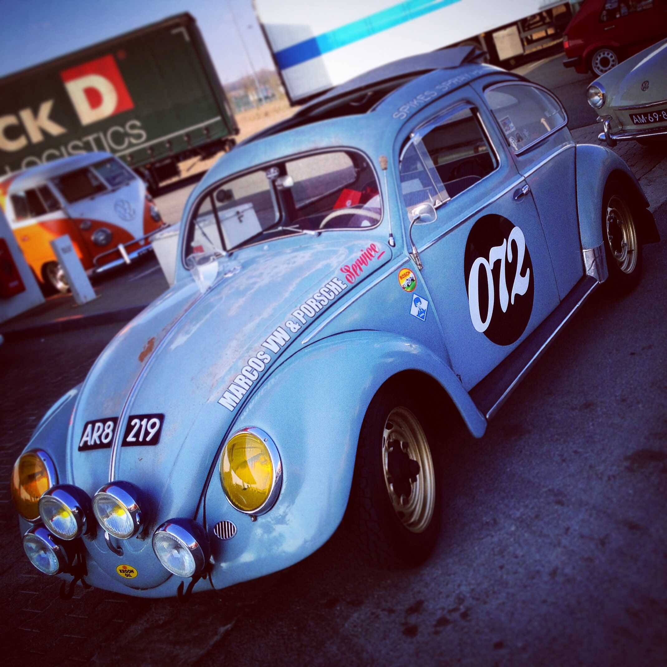 cool-rally-inspired-classic-vw-beetle_t20_PoJQRR.jpg